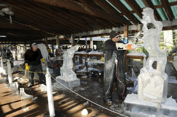 Bronx zoo ice carving week
